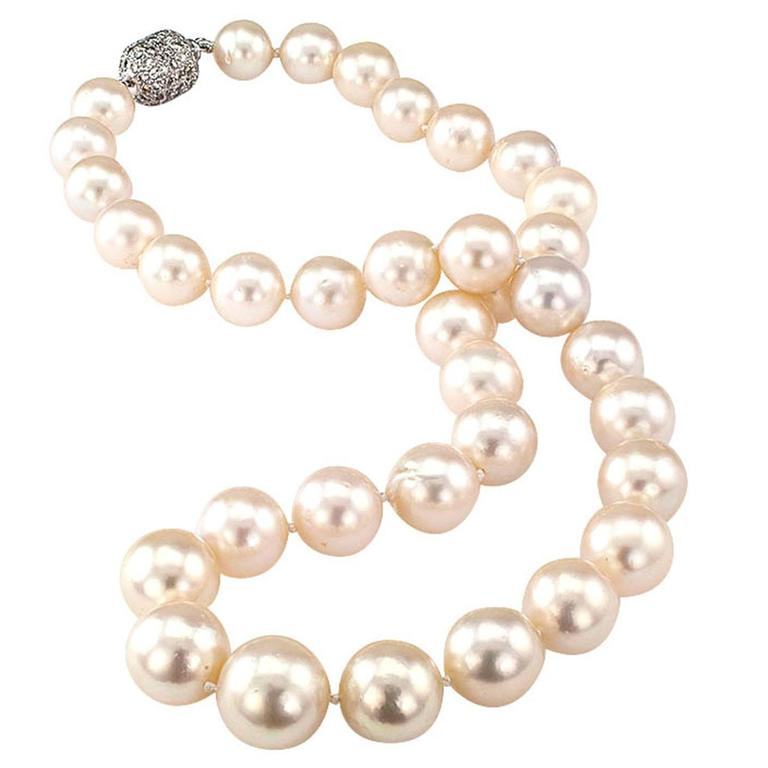1990s Graduated South Sea Pearl Diamond Gold Necklace 1