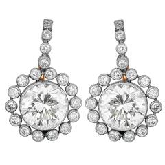3.19 Carats Diamonds Platinum Flower Motif Drop Earrings