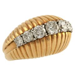 Van Cleef & Arpels Paris 1960s Diamond Gold Bombe Ring
