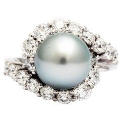 1.72 carat Diamond and Silver Grey Tahitian Pearl Diamonds 18k Gold Ring