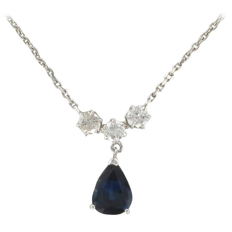White gold Sapphire and Diamond Pendant Necklace For Sale