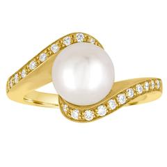 Diamond And 8.7MM Freshwater Cultured Pearl Bypass Gold Ring
