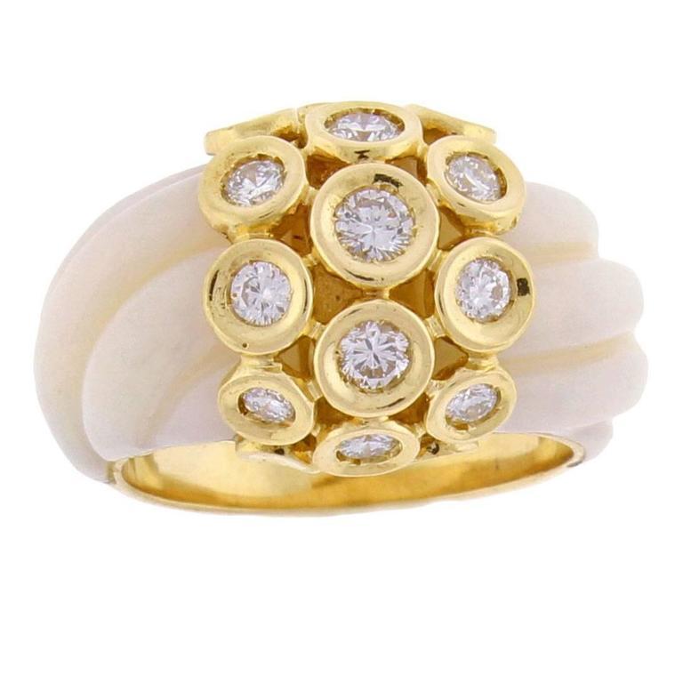 1970s Van Cleef & Arpels Angel Skin Coral Diamond Gold Ring