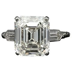 Hancocks Elegant Emerald Cut Diamond Ring With Bullet Diamond Shoulders
