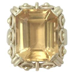 1930s Antique 14.18 Carat Citrine and Yelow Gold Cocktail Ring