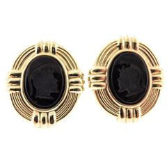 14Karat Yellow Gold Carved Oval Onyx Earrings