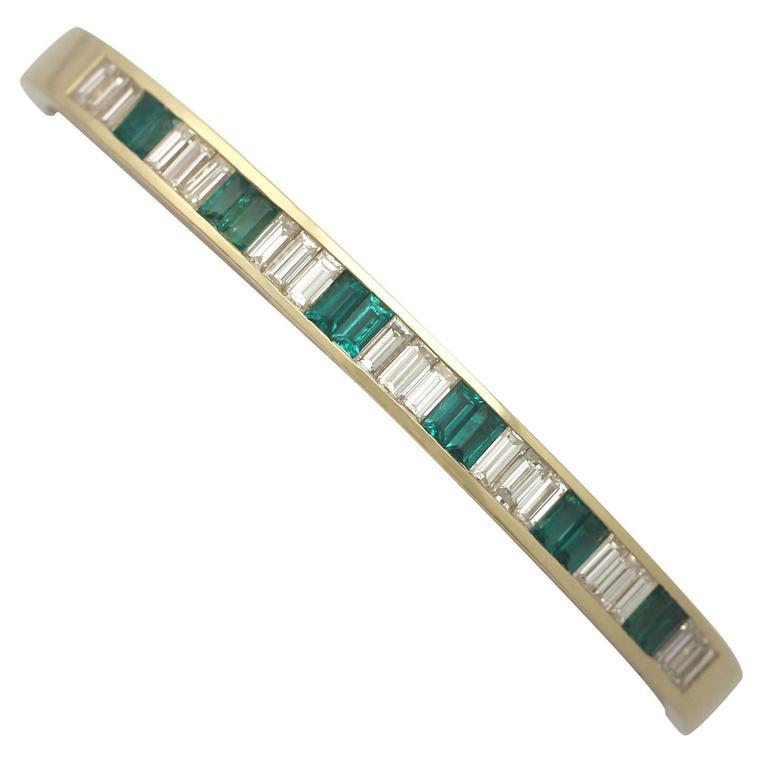 2000s Italian, 1.35 Carat Emerald and 2.31 Carat Diamond, Yellow Gold Bangle