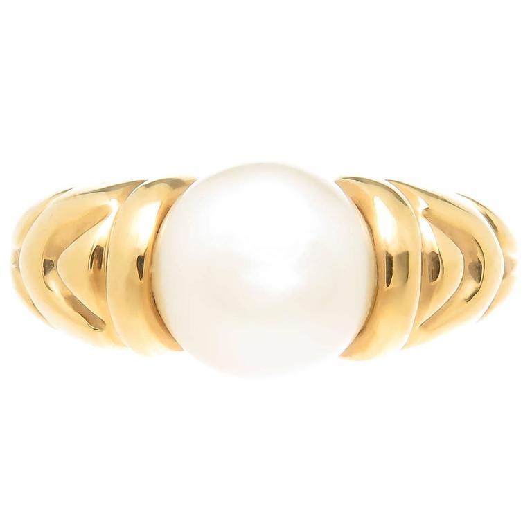 Bulgari Passo Doppio Gold and Pearl ring For Sale. Circa 1990 Bulgari 18K  Yellow ... ce8d84e525f60