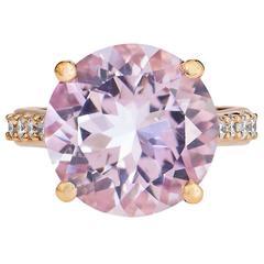Beautiful Amethyst gold ring