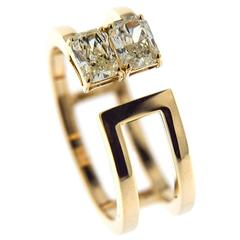 Jona Yellow Radiant Cut Diamond 18 Karat Yellow Gold Band Ring
