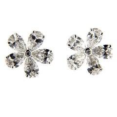 Jona White Diamond 18 karat White Gold Flower Earrings