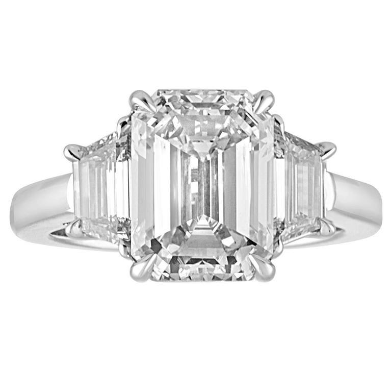 4.08 Carat Emerald Cut Diamond Set in Platinum Ring Mounting For Sale