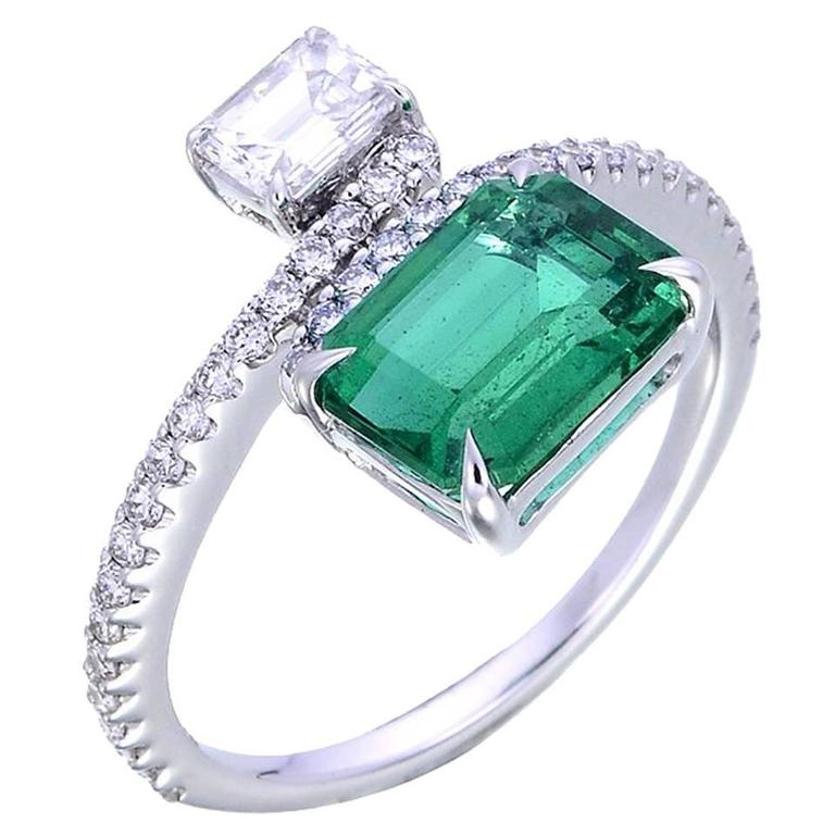2 68 carat emerald gold ring for sale at 1stdibs