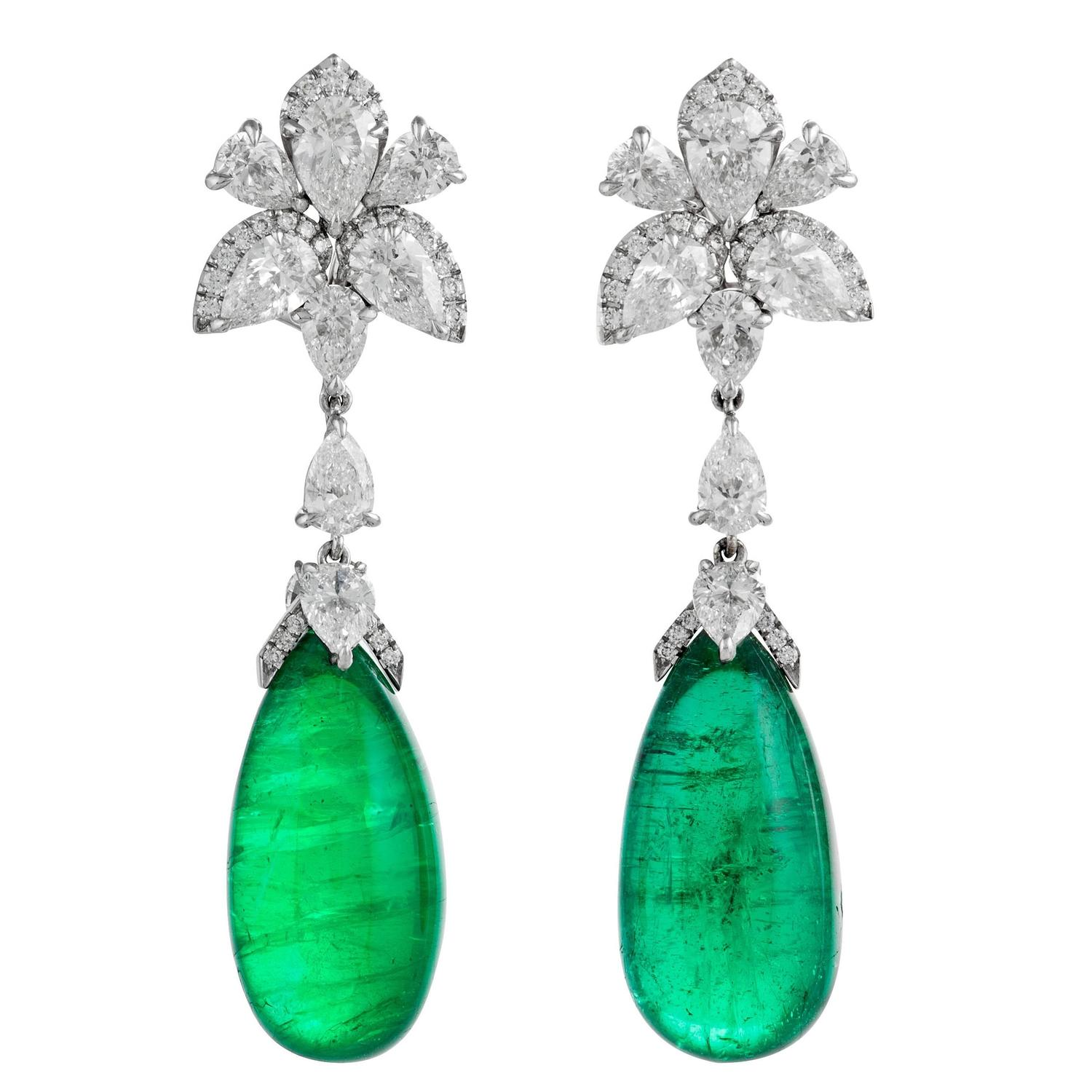 25 21 Carats Oval Cabochon Emeralds Diamonds Gold Earrings For Sale at 1stdibs