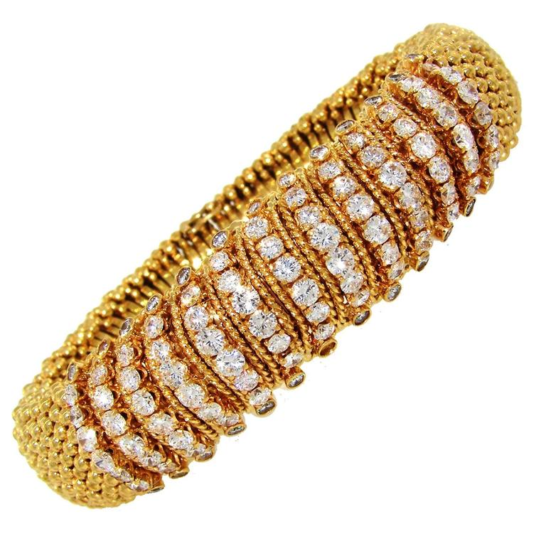 1980s Van Cleef & Arpels Couscous Diamond Yellow Gold Bracelet