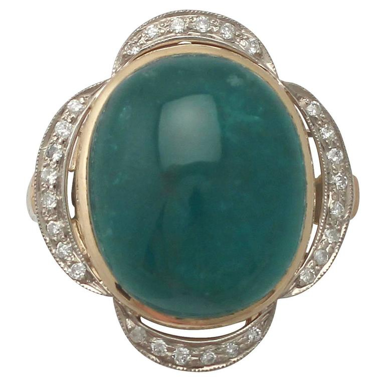 1940s 14.5 Carat Emerald and Diamond Yellow Gold Cocktail Ring 1