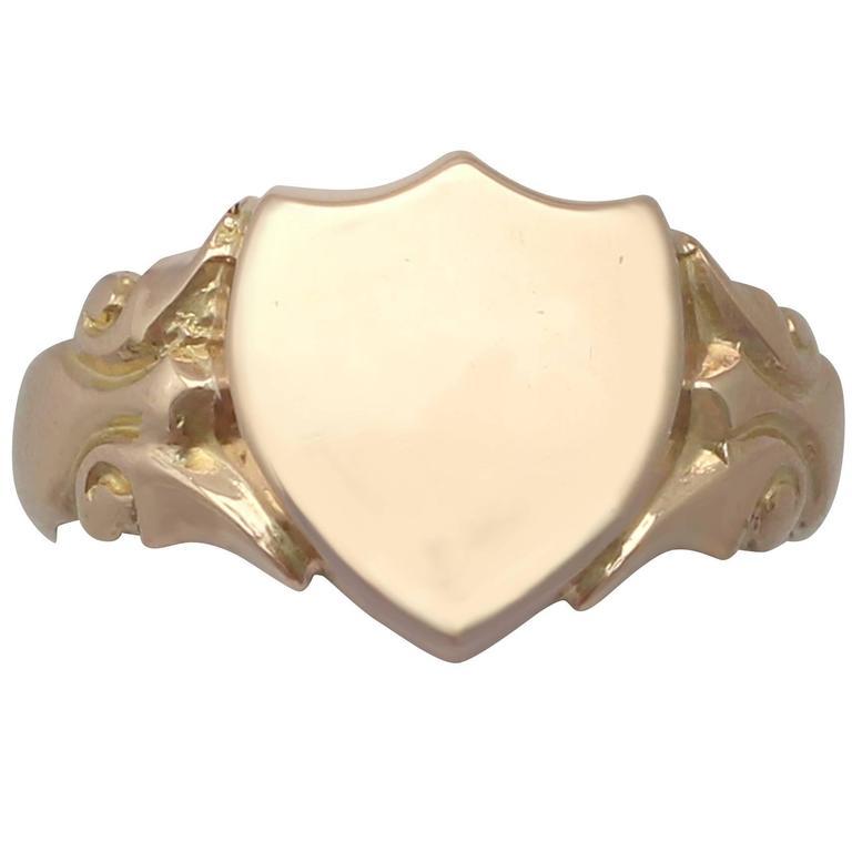 Antique 1915 9 k Yellow Gold Signet Ring