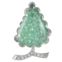 Chalcedony Gemset Gold Christmas Tree Pin