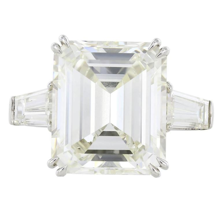 9 17 Carat Emerald Cut GIA Certified 3 Stone Diamond Platinum Ring at 1stdibs