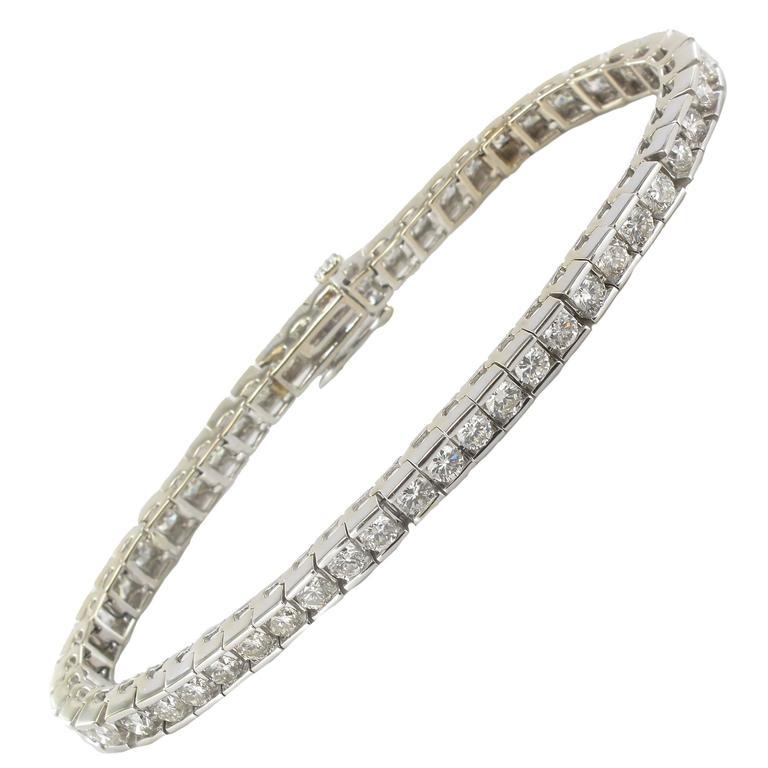 Modern Diamond White Gold Tennis Bracelet