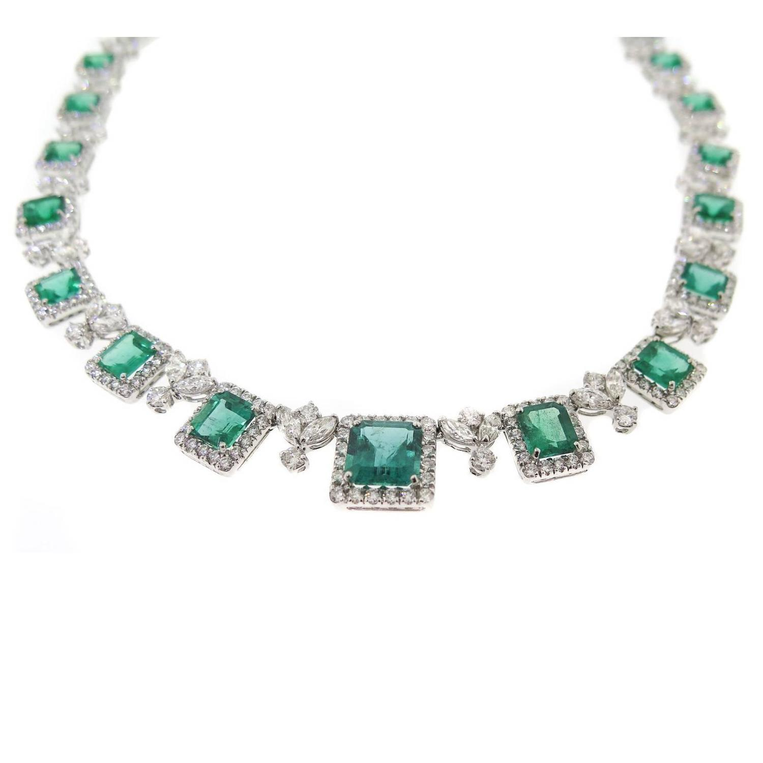Emerald Diamond Platinum Necklace For Sale at 1stdibs