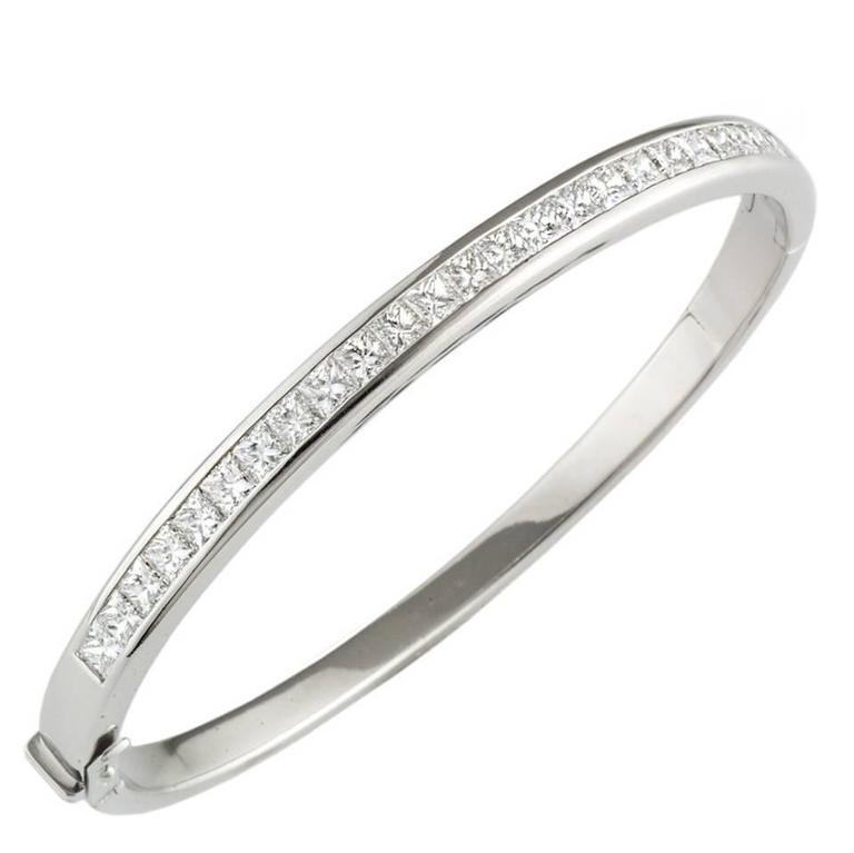 0 54 Carat Round Diamond Prong Set Pendant besides Tennis Bracelet Aces likewise Gothic Jazz Ring moreover Id J 477502 besides Chopard 826676 1 Carat Happy Diamond Ring In 18k Size 5 75  es With Coa. on oscar heyman bracelets
