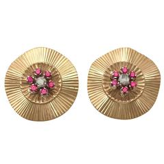 Vintage 1940s 0.26 Ct Diamond and Synthetic Ruby, 18 k Yellow Gold Stud Earrings