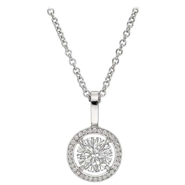 Betteridge 1.61 Carat Round Brilliant Diamond Halo platinum Pendant For Sale