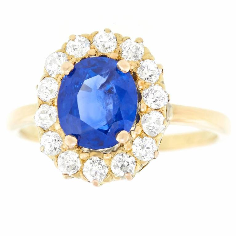 Antique 1.85 Carat No-Heat Sapphire and Diamond Gold Ring For Sale