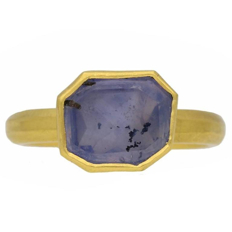 Antique 17th century AD Post Medieval sapphire gold ring