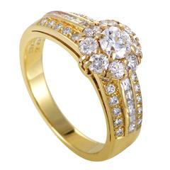Van Cleef & Arpels Diamond Gold Flower Ring