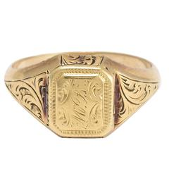 Victorian Chased Gold Poison Ring