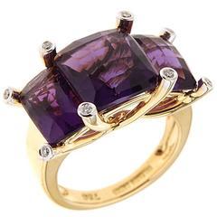 Valentin Magro Three stone amethyst diamond Gold Ring