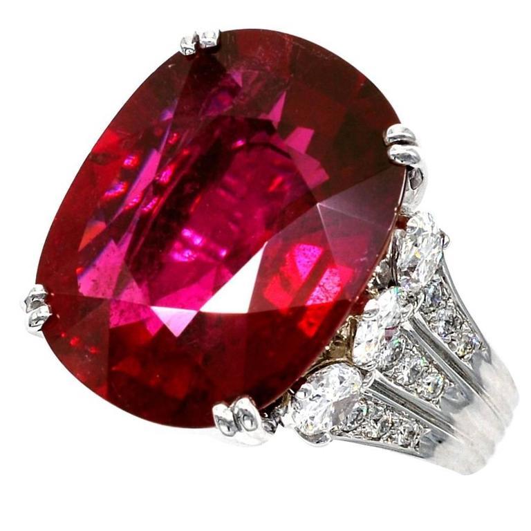 Claris.A 16.06 Carat Rubelite Diamond Gold Ring