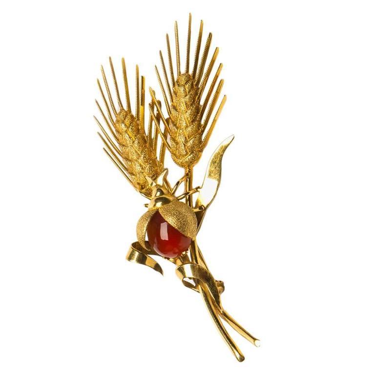 Tiffany & Co. Elegant Carnelian Gold Wheat Pin