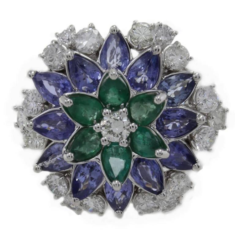 Daisy Emerald Sapphire Diamond Gold Ring