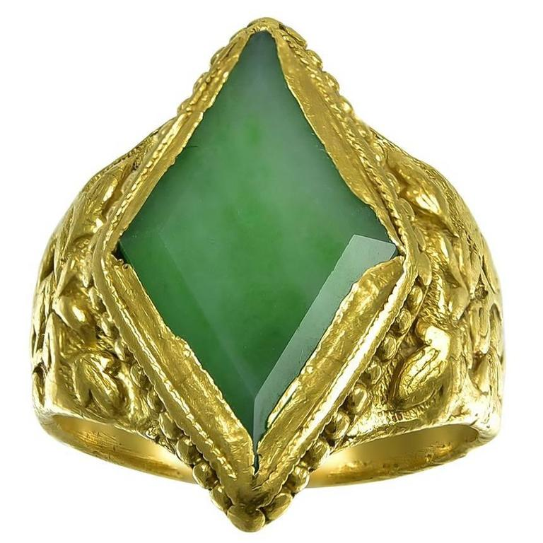 Antique 24k Gold and Jade Ring For Sale at 1stdibs