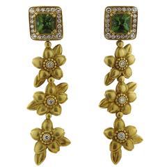 Kieselstein-Cord Peridot Diamond Gold Flower Motif Drop Earrings