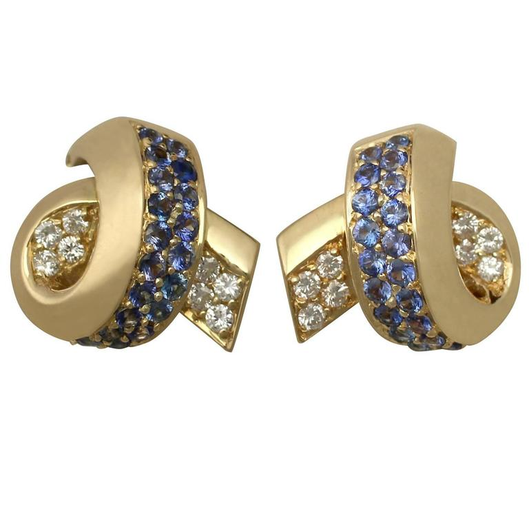 1990s 1.30 Carat Sapphire and 0.75 Carat Diamond, 18 k Yellow Gold Drop Earrings