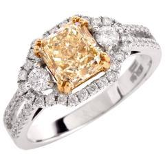 Art Deco Fancy Light Yellow 2.57cts Diamond Gold Engagement Ring