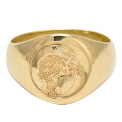 """Victorian """"Woman Kissing Moon"""" Gold Intaglio Signet Ring"""