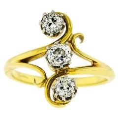 Delightful Art Nouveau Diamond  18K Yellow Gold Ring