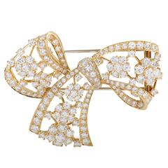Van Cleef & Arpels Diamond Pave Yellow Gold Bow Brooch