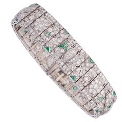 1920s Gorgeous Emerald Diamond Platinum Bracelet