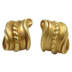 Kieselstein-Cord Gold Carved Huggie Earrings