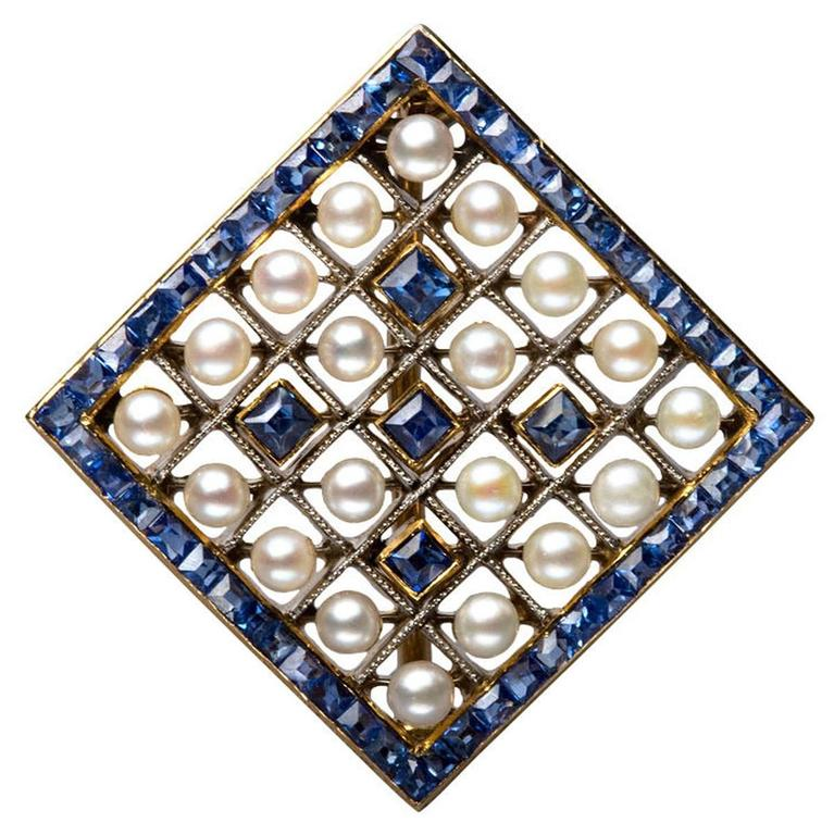 Edwardian Pearl Sapphire and Gold Miniature Brooch, circa 1905 For Sale