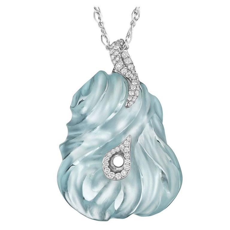 Naomi Sarna Exceptional Hand-Carved Aquamarine Diamond Gold Pendant