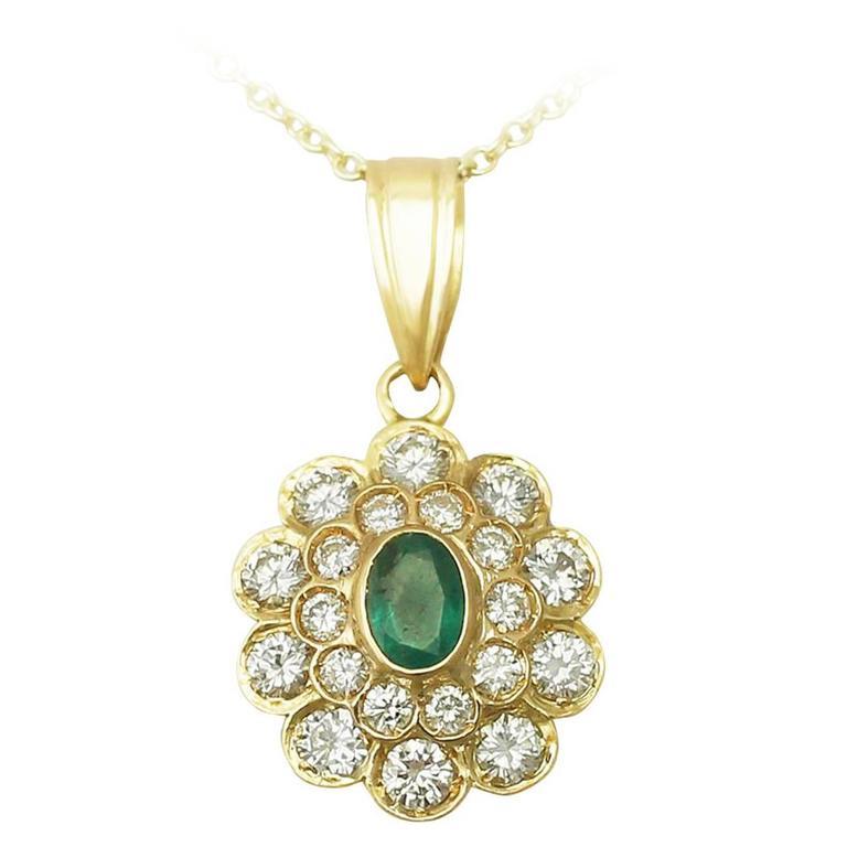 0.60 Carat Emerald and 2.28 Carat Diamond, 18 Karat Yellow Gold Pendant, Vintage