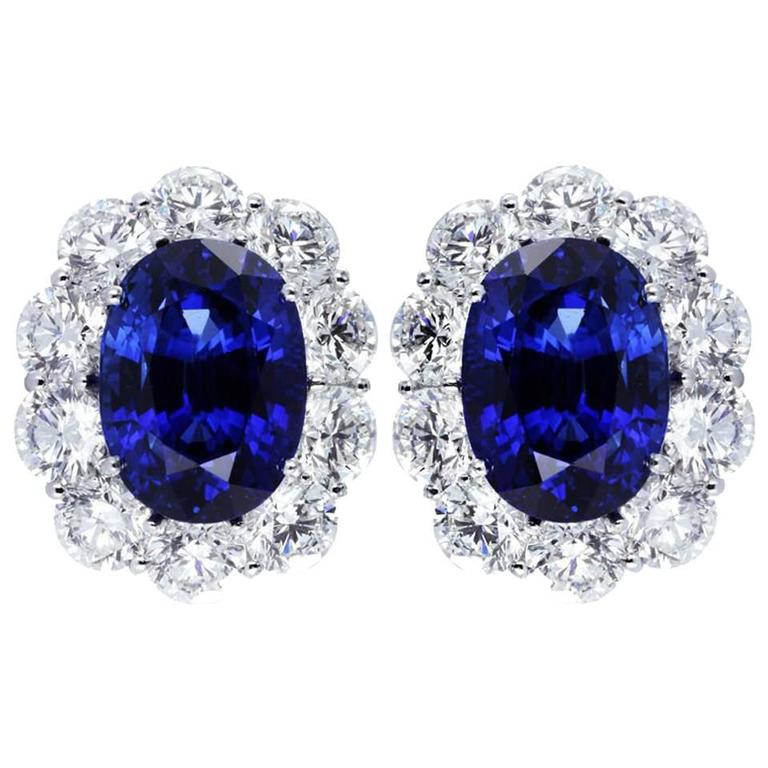 17.93 Carats Sapphires 8.72 Diamonds Platinum Cluster Earrings