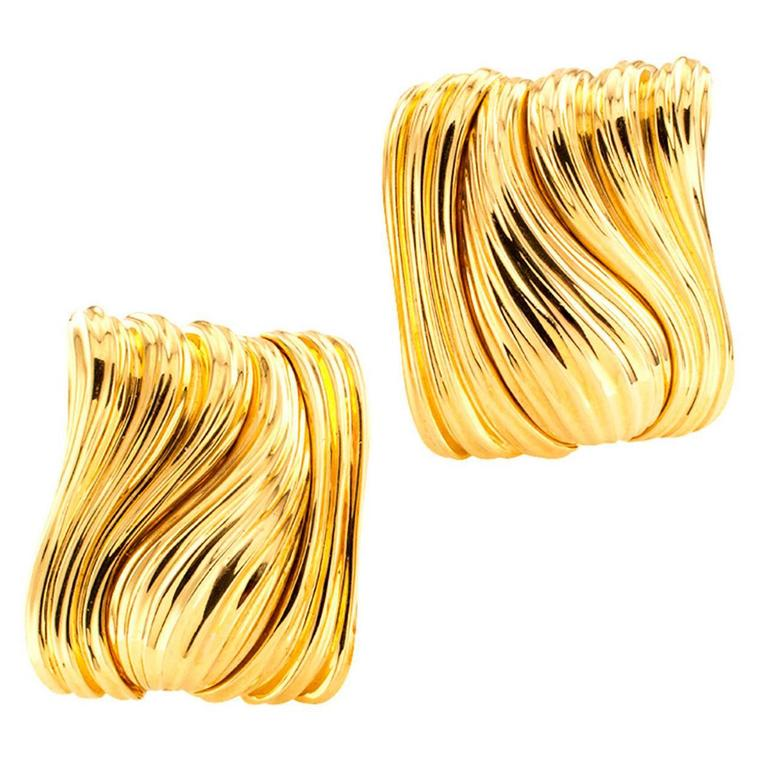 Henry Dunay Fluted Gold Ear Clips